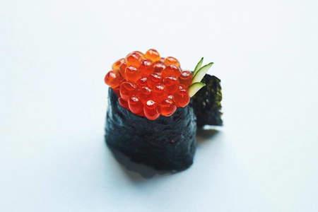 Ikura Sushi, いくら (Salmon Roe)